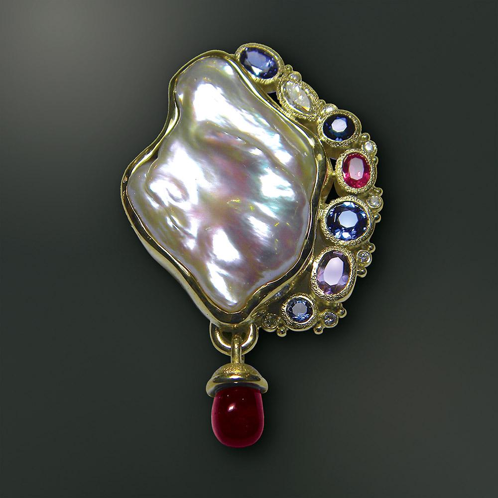 Pearl pendant at Marc Howard Custom Jewelry Design studio
