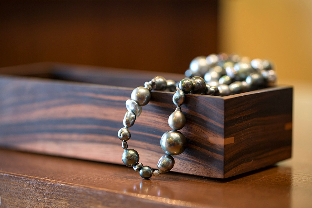 Photo of pearl necklace at Marc Howard Custom Jewelry Design in Santa Fe, NM